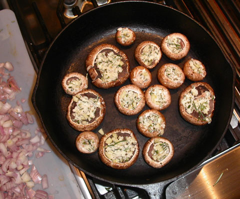Photo of stuffed crimini mushrooms copyright 2004 Owen Linderholm